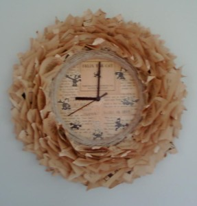 Book Wreath Clock