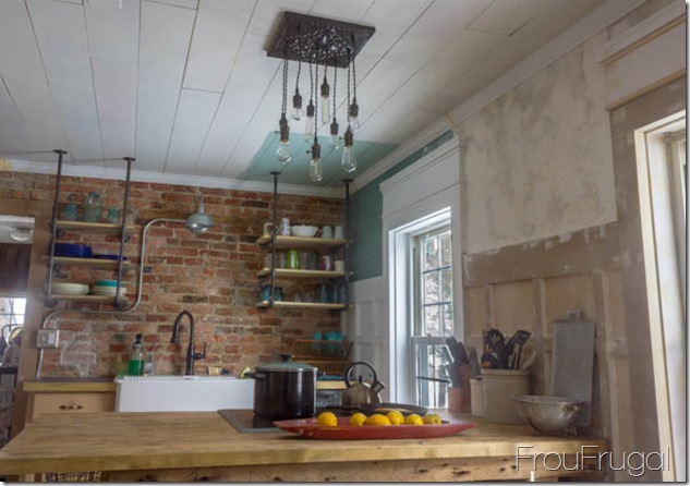Bare Edison Bulb Chandelier in Kitchen